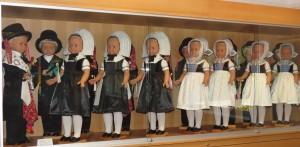 Doll display, Slepo